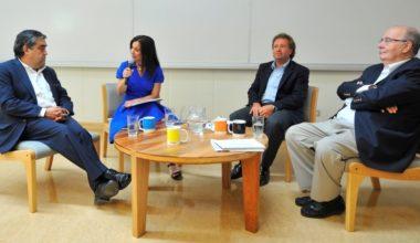Escuela de Periodismo inauguró año académico con debate entre Presidentes de TVN