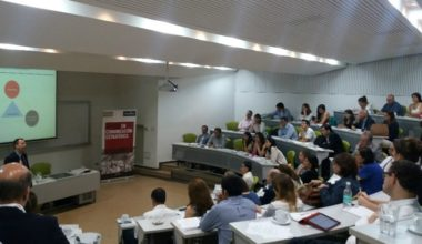MCE UAI realizó taller sobre Gobiernos Corporativos