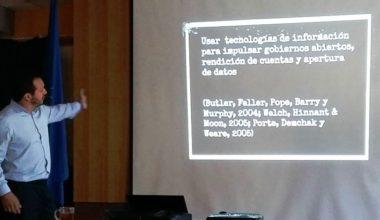 Carlos Franco, profesor de Periodismo UAI, expuso en Universidad de Chile